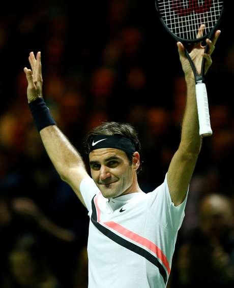 Federer volta a ser nº 1 do mundo e atinge outro recorde