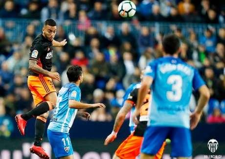Málaga abre o placar mas é derrotado de virada para o Valencia no final do segundo tempo (Foto: Divulgação Valencia)