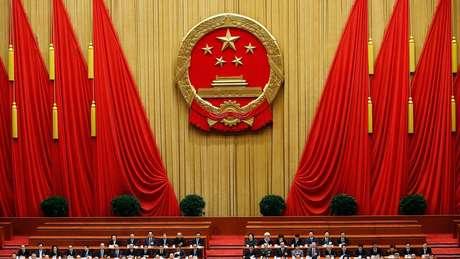 Autoridades chinesas veem com receio todo poder estrangeiro no país
