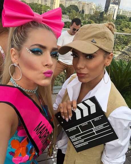 Monique usou mesmo look que Anitta usou no Bloco das Poderosas, em Salvador
