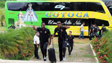 Confira a seguir a galeria especial do LANCE! com imagens do Vasco na chegada na Bolívia nesta segunda-feira