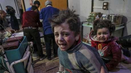 Várias crianças ficaram feridas em bombardeios no leste de Ghouta