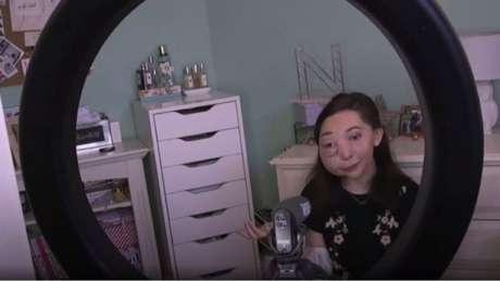 Nikki tem um canal no YouTube com quase 300 mil assinantes
