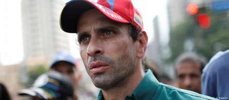 Henrique Capriles foi proibido de participar do pleito
