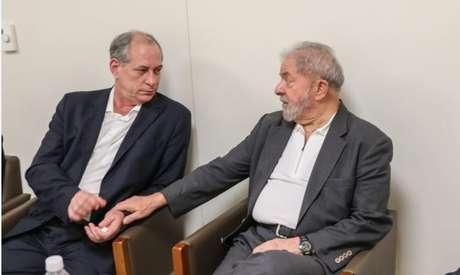 Gleisi nega aproximação com Ciro e exige pedido de desculpas