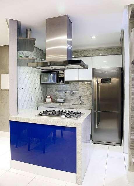 3;. A cozinha pequena com ilha precisa ter espaço para poder circular de forma confortável