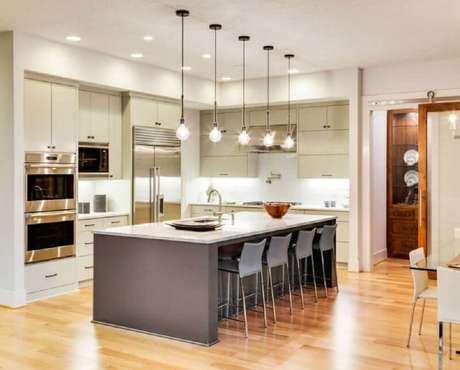 10. Linda e moderna decoração de cozinha com ilha