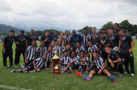 Botafogo venceu o torneio com 100% de aproveitamento (Foto: Reprodução Twitter do Botafogo)
