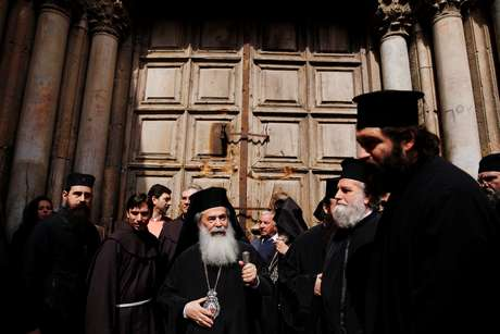 Líderes religiosos fecham Igreja do Santo Sepulcro em protesto em Jerusalém