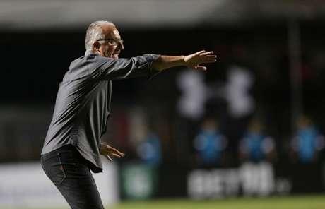 Treinador do São Paulo está pressionado por bons resultados e quase não tem tempo para trabalhar (Paulo Pinto / saopaulofc.net)