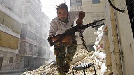 Rebeldes da oposição moderada receberam ajuda limitada de potências ocidentais