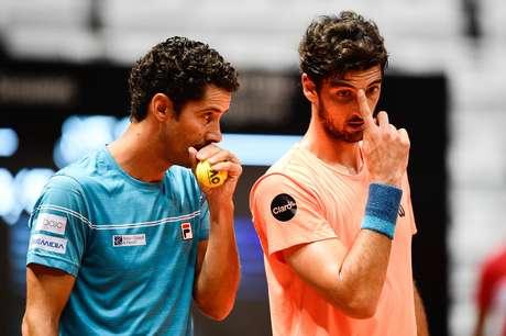André Sá e Thomaz Bellucci estrearam com vitória no torneio de duplas do Brasil Open, em São Paulo (SP).