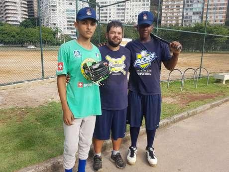 Mesmo já satisfeito de ensinar um esporte para um público que tem pouco acesso a atividades extraescolares, Uilson sonha mais alto: quer encontrar joias cariocas que possam correr atrás do sonho do profissionalismo no beisebol.