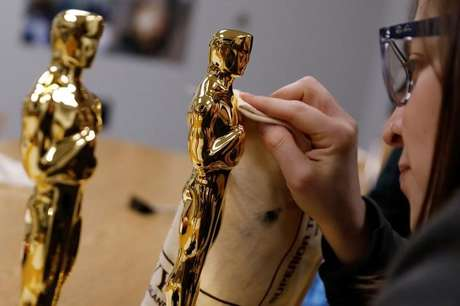 Estatueta do Oscar é finalizada em Nova York 25/01/2018 REUTERS/Shannon Stapleton