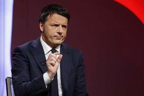 Renzi dá passo atrás e admite apoiar outro premier do PD