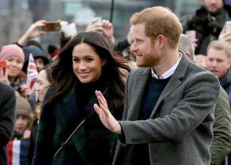 Príncipe Harry e Meghan Markle vão convidar plebeus para seu casamento