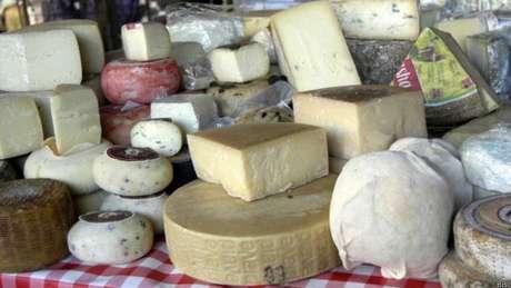 Essa bactéria pode estar contida em queijos cremosos