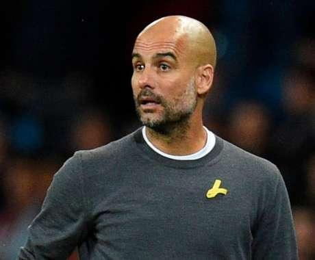 Federação inglesa compara laço amarelo de Guardiola a uma suástica