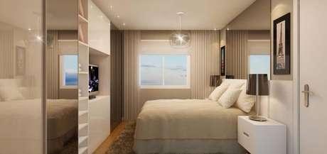 2. O chão de madeira e o tapete auxiliam no controle térmico do quarto planejado. Projeto de Sandro Thalys Rodrigues Ramos