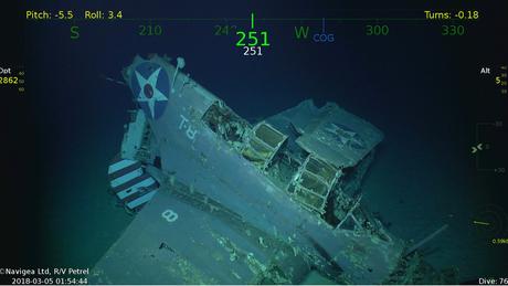 Um dos 11 aviões que naufragaram junto com a embarcação | Foto: Paul Allen