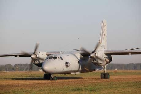 Avião russo modelo Antonov An-26