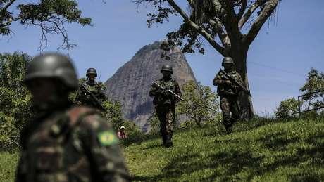Com a intervenção, militares comandam a segurança pública no Estado do Rio de Janeiro