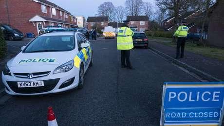 Polícia britânica diz que já descobriu qual foi o gás neurotóxico usado no ataque ao ex-espião russo, mas não vai revelá-lo ao público ainda