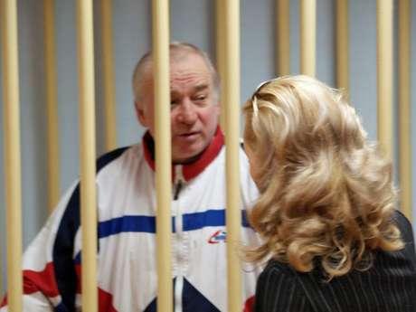 Sergei Skripal, ex-coronel do Departamento Central de Inteligência russo, durante audiência em corte militar em Moscou Kommersant/Yuri Senatorov via REUTERS