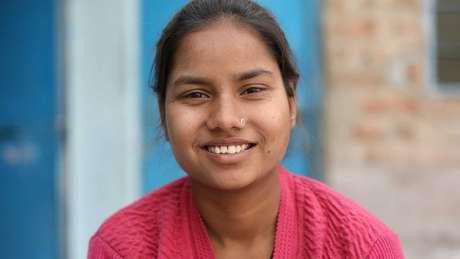 Monika quer que sua história fique conhecida, para ajudar outras meninas que são obrigadas a se casar precocemente | Foto: Peter Leng/Neha Sharma
