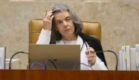 Cármen Lúcia já havia deixado duas ações que questionam a prisão após condenação em segunda instância de fora da pauta de julgamentos de março. A pauta de abril foi divulgada pelo Supremo nesta sexta.