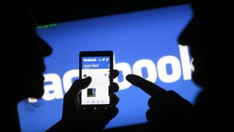 Facebook afirma não espionar os usuários pelo microfone (Reprodução: Quartz)