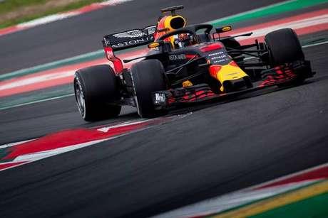 Com quebra de recorde, Ricciardo lidera testes da F1
