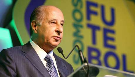 Presidente da Federação Paulista recusa convite da CBF