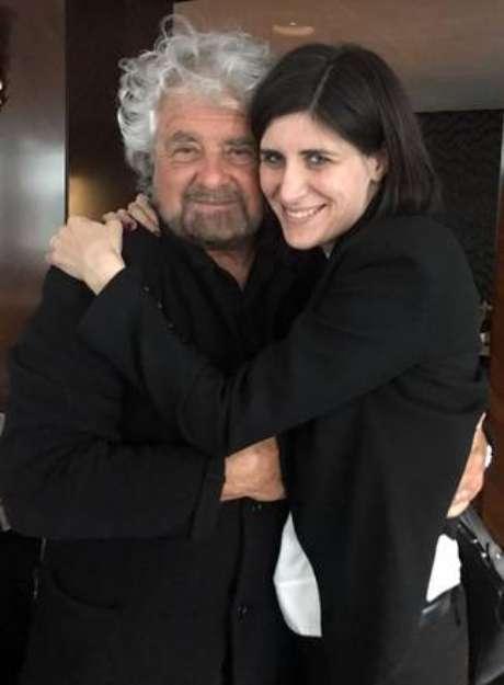 Beppe Grillo com a prefeita de Turim, Chiara Appendino