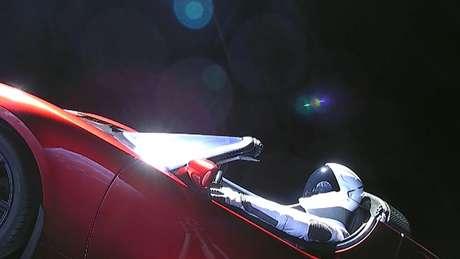 Falcon Heavy levou um carro da Tesla e um manequim com roupa de astronauta para o espaço