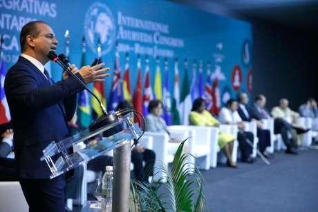 Encontro aberto pelo ministro Ricardo Barros atraiu representantes de vários países