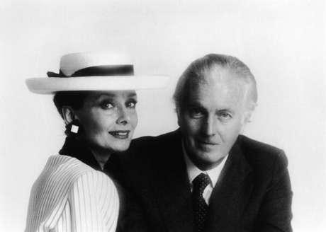 Retrato de Audrey Hepburn e Hubert De Givenchy em meados dos anos 80.