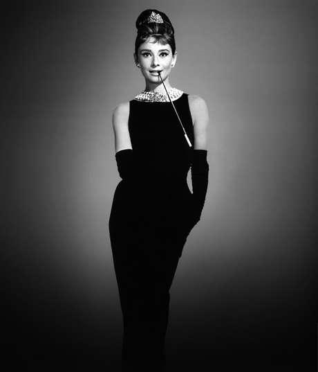 Resultado de imagem para Hubert de Givenchy preto e branco
