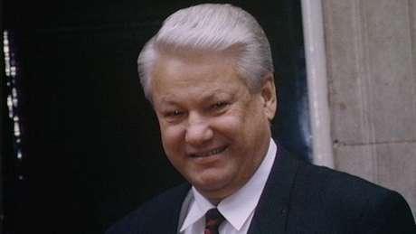 Yeltsin foi presidente da Rússia entre 1991 e 1999 e sucedido por Putin no cargo