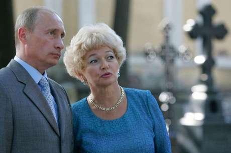 Lyudmila Narusova não faz acusações contra Putin