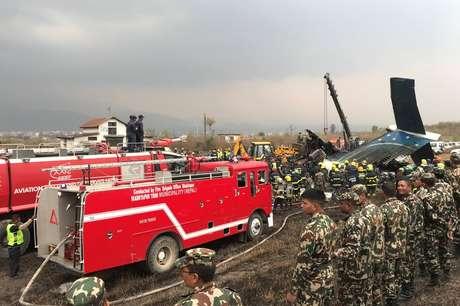 Segundo os sobreviventes, o avião estava dando voltas e subindo e descendo antes da queda