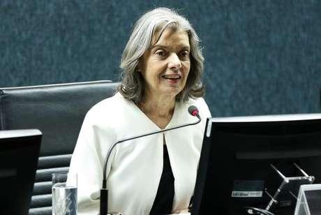 A ministra Cármen Lúcia disse que o papel da mulher na sociedade avançou muito, mas que ainda precisa vencer obstáculos