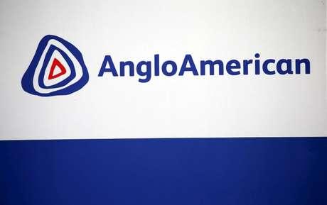 Logo da Anglo American em Rusternburg 05/10/2015 REUTERS/Siphiwe Sibeko