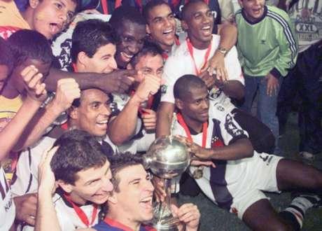 Vasco campeão da Libertadores em 1998 (Foto: Arquivo LANCE!)