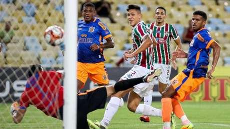 Gilberto voltou a ser titular no Fluminense (Foto: LUCAS MERÇON / FLUMINENSE F.C.)