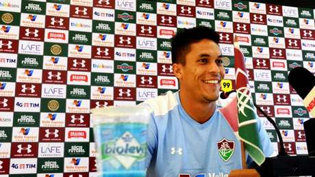 Reginaldo, durante entrevista coletiva no CT (Foto: MAILSON SANTANA / FLUMINENSE FC)