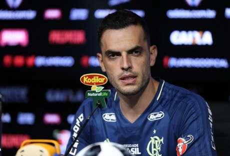 Rhodolfo substituirá Réver, lesionado, diante do Emelec (Foto: Gilvan de Souza/Flamengo)