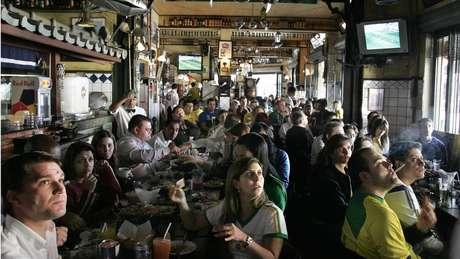 Levar comida de casa para almoçar no trabalho não é habitual em São Paulo, diz Rinaldi | Foto: AFP