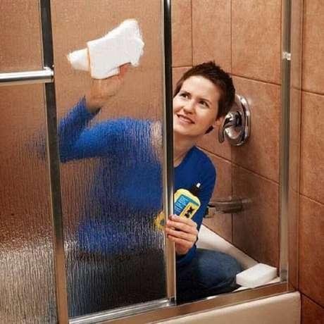 3. Aprenda técnicas de como limpar box de vidro