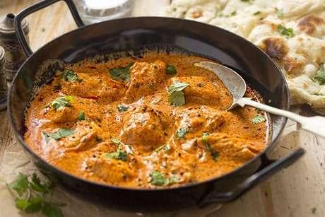 Frango temperado com garam masala